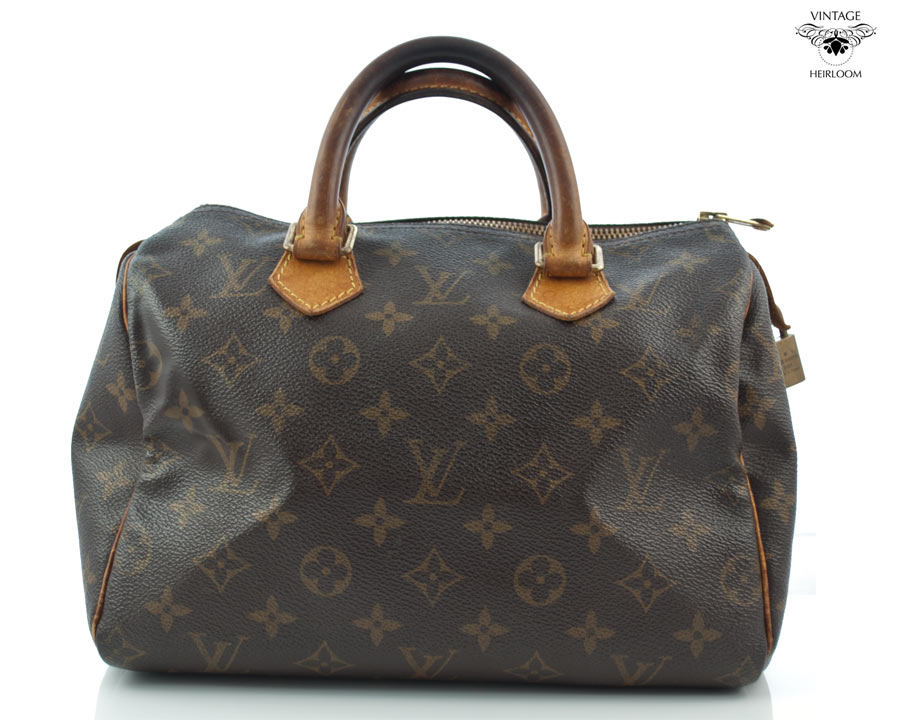 This bag looks decent compared to the ones I m after. In this condition 0f426e8590d9b