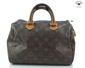 This bag looks decent compared to the ones I'm after. In this condition they refer to it as Vintage, Heirloom, Louis Vuitton.